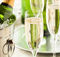 Sklenice na sekt a sklenice na šampaňské v různých provedeních pro každou příležitost v XXXLutz.