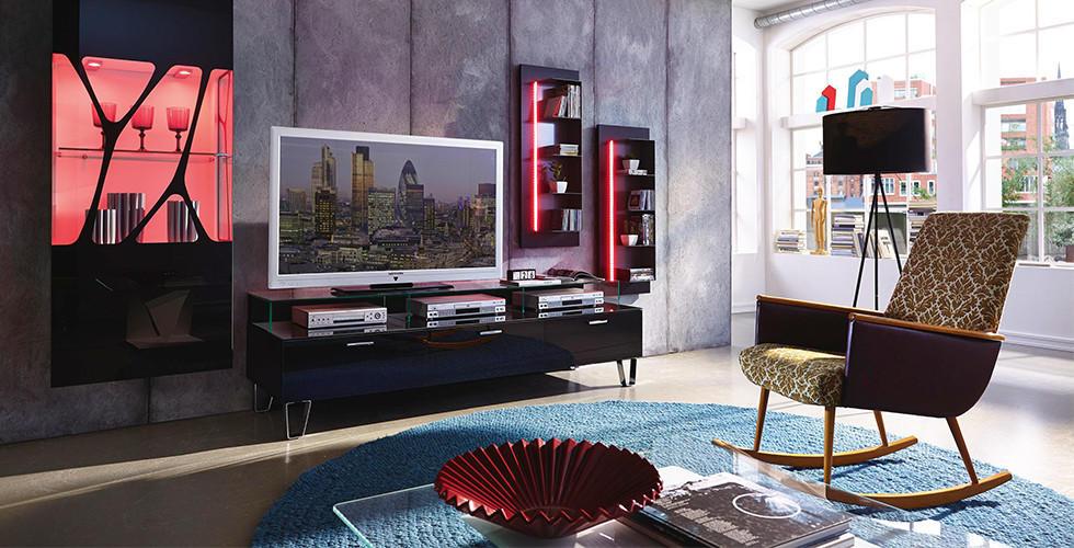XXXLutz má vhodnou obývací stěnu pro každý styl bydlení.