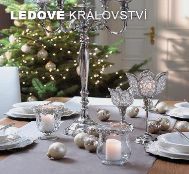 Stríbrné a bílé vánoční dekorace