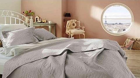 Prekrivač na krevetu za spavanje