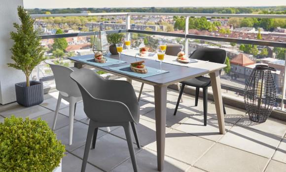 Gartenmöbel Terrasse Schwarz Weiß Esstisch Sesseln