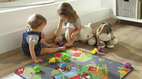 hrací koberec auta děti plyšáci