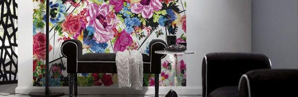 Tapeta s cvetličnim vzorcem