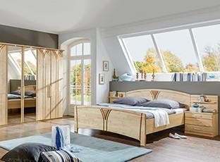 Entdecken Sie bei XXXLutz die schönsten Birkenholzschlafzimmer.