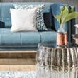 Modra sedežna s srebrno mizico