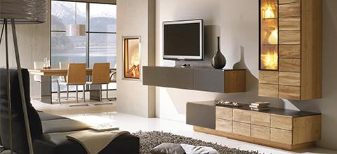 XXXLutz nabízí jak sestavy do obývacího pokoje jak v jednom stylu, tak individuální 3D plánování.