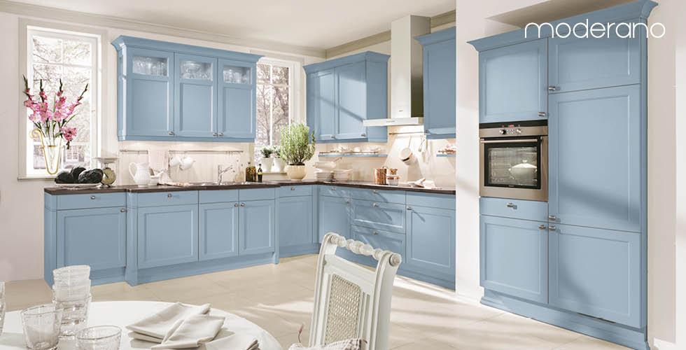 Svijetlo plava kuhinja Moderano
