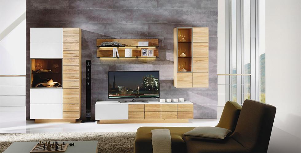 V XXXLutz dostanete sestavy obývacích stěn za skvělou cenu s dokonale sladěnými kusy nábytku.