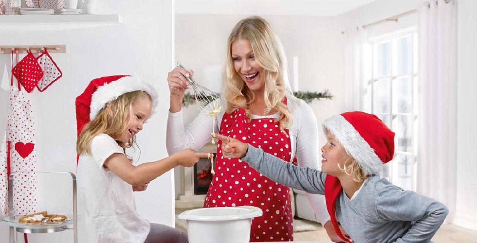 Winter Days Backen Backspaß Rot Weiß Familie Kekse Kinder Mama