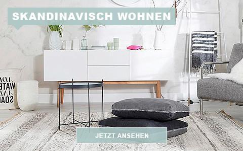 Skandinavisches Wohnzimmer Kissen und Beistelltisch