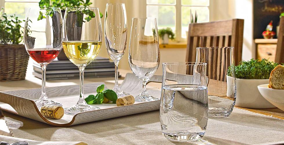 Klasická sada sklenic na vodu, bílé víno, červené víno a pivo značky Leonardo z XXXLutz.