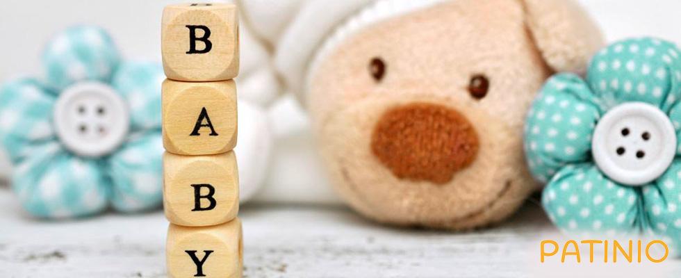 """Würfel, die das Wort """"Baby""""formen und Teddy von PATINIO"""