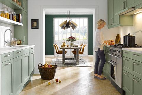 Stylová kuchyň v barvě avokáda