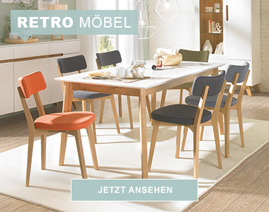 Retro-Esszimmer mit Esstisch und Retro-Stühlen