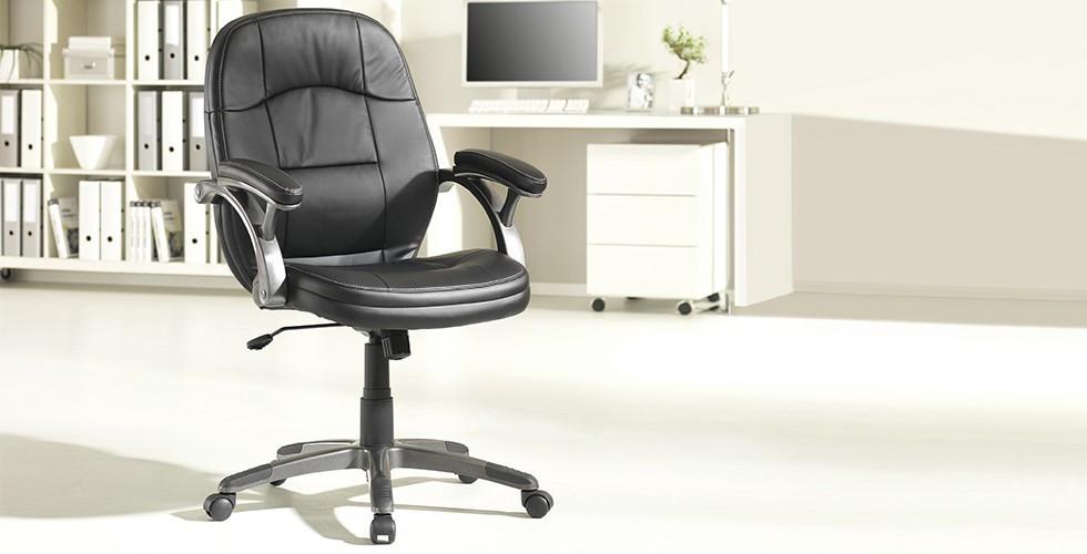 Komfortabler Chefsessel, gepolstert, mit Lederbezug und höhenverstellbar bei XXXLutz.