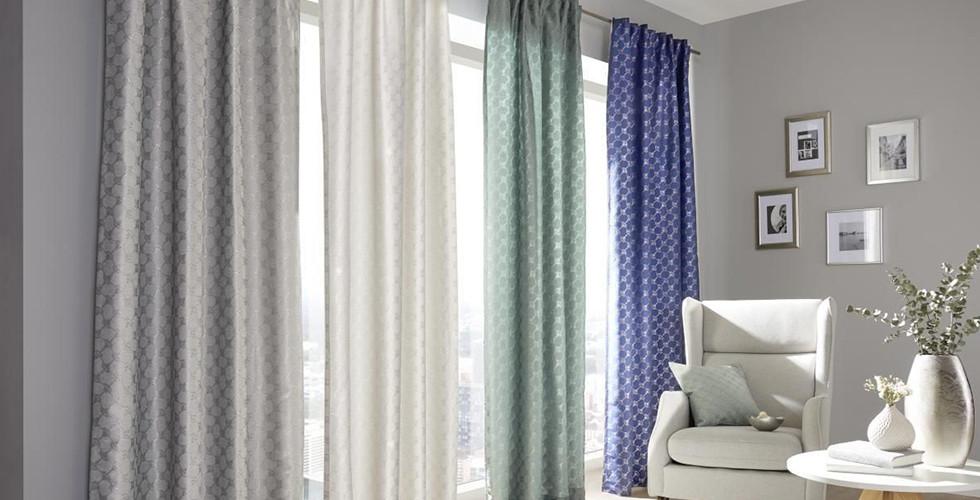 Gardinen-Wohnzimmer-gemustert