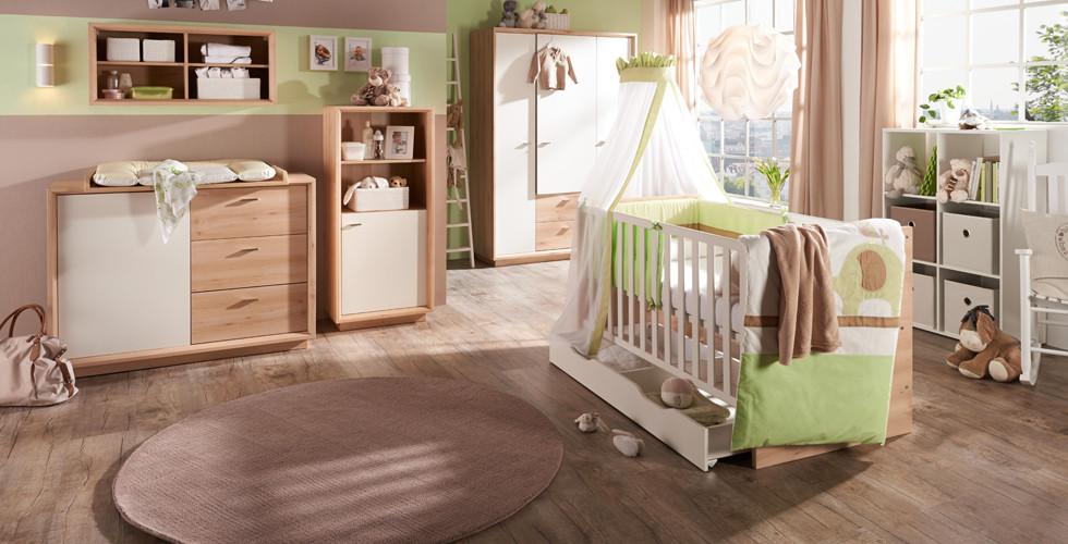 Babyzimmermöbelset in Holzoptik mit weiß