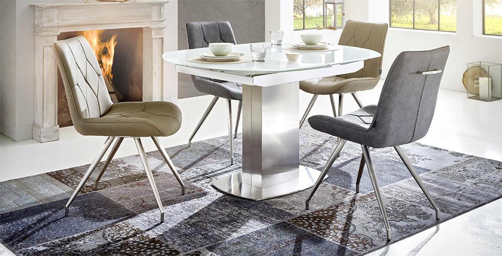 Bijeli blagovaonski stol sa bež i sivim stolicama