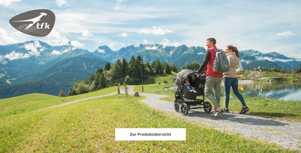 Familie auf Wanderurlaub mit TFK Jogger