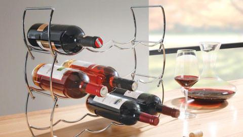 Praktické, elegantní stojany na víno s originálním designem v XXXLutz.