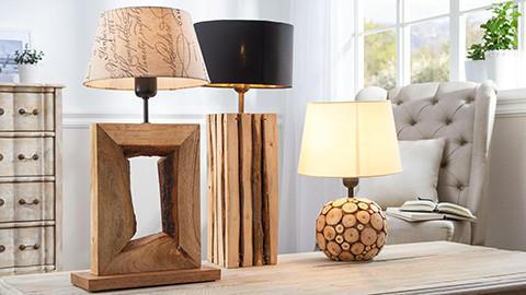 Lampenschirme mehrfarbig mit Holzfüßen