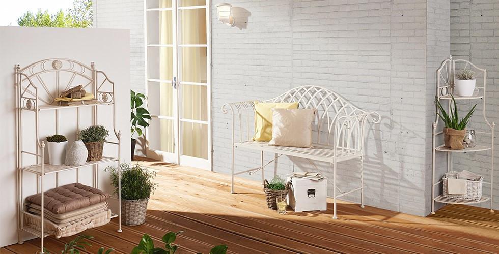 Gartenbänke aus Eisen, Aluminium, Holz. Material- und Designvielfalt bei XXXLutz.