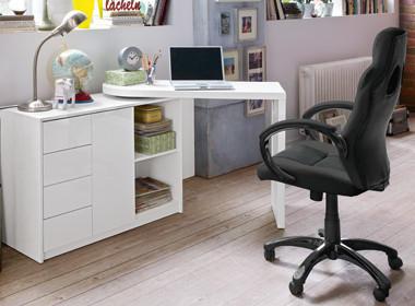 Pisalna miza v beli barvi z visokim sijajem, ki se lahko prilagodi vsakemu prostoru: to omogoča kombinacija omarice in premične mizne plošče.
