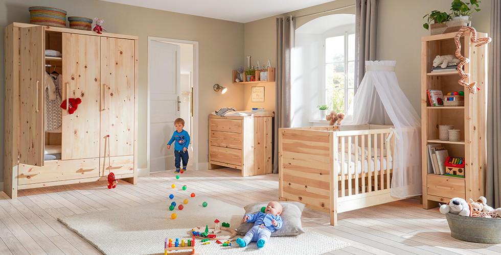 Kinderzimmer aus Zirbenholz