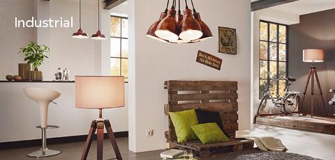 Modernes Wohnzimmer mit Stehlampe im nostalgischen Design - Industrial Stil
