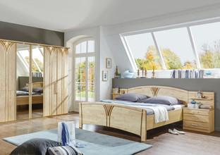 Ložnice z březového dřeva.