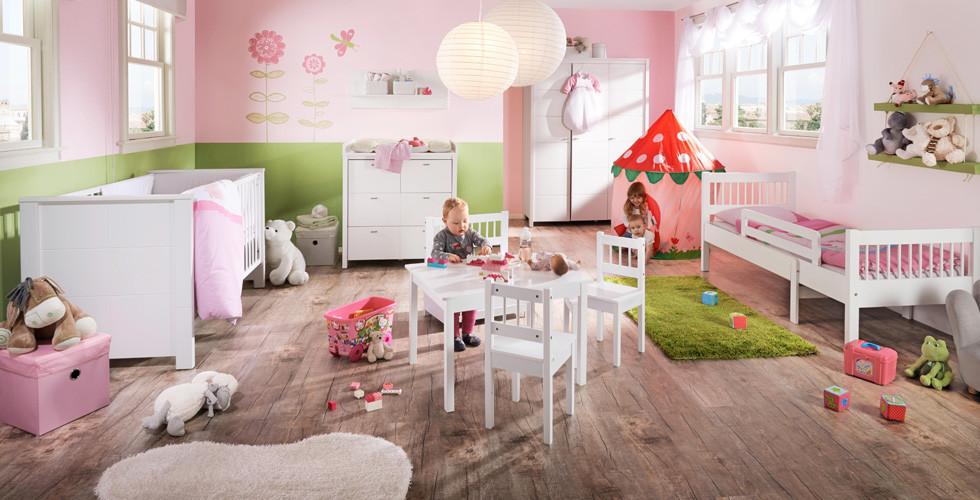 Babyzimmer ideal ausstatten mit Gitterbett, Wickeltisch, Hochstuhl und vielem mehr bei XXXLutz.