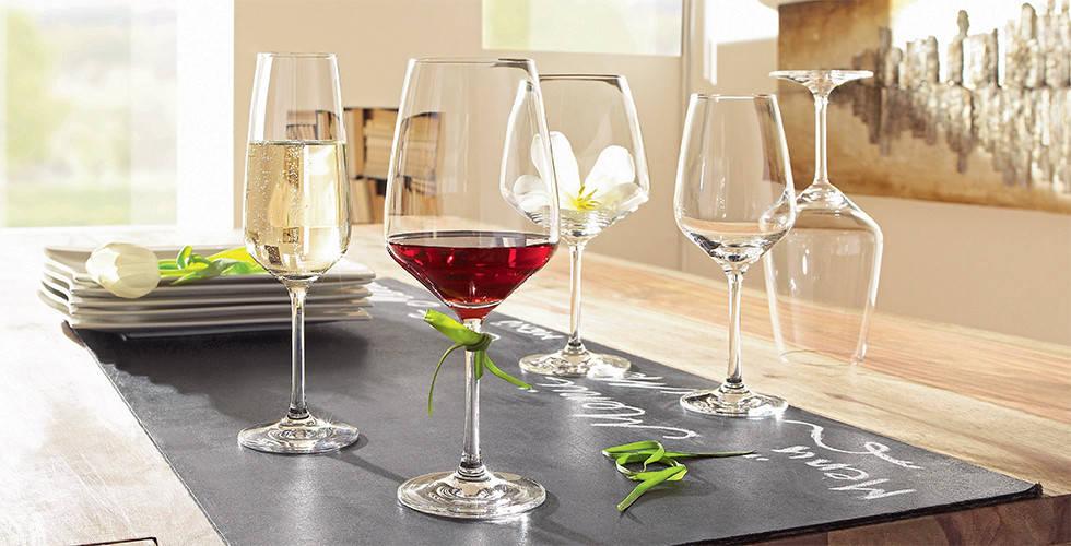 čaše na stalku