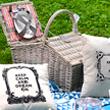 Pletena piknik košara v sivi barvi