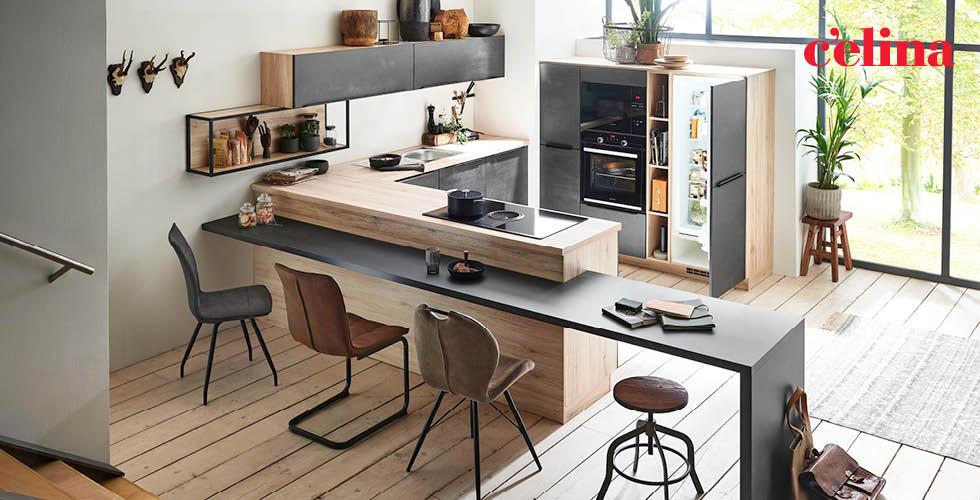 Kuhinja Celina u drveno-crnoj kombinaciji