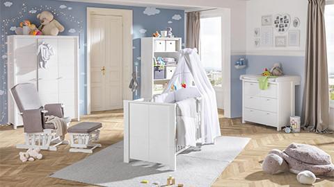 Babyzimmerserie weiß in Kinderzimmer blau