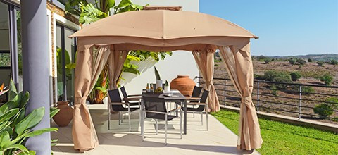 Sonnenschutz in Form eines Pavillon in allen Farben und Formen bei XXXLutz.