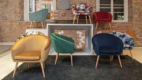 Baršunaste fotelje raznih boja