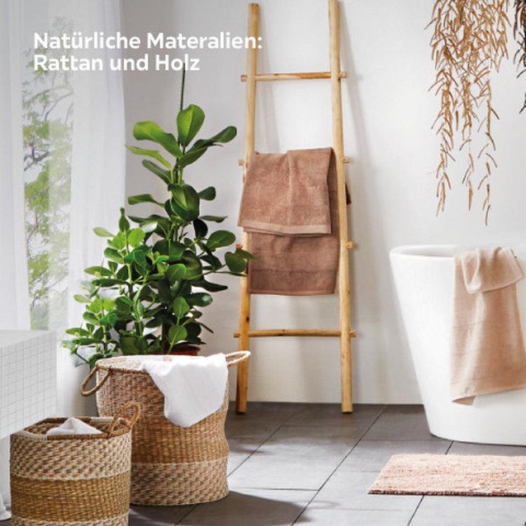 Natürliche Materialien Holz und Rattan
