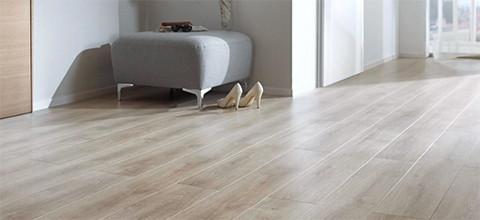 Laminátová podlaha vzhled dřeva