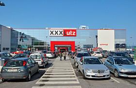 Filiale Xxxlutz Wr Neustadt Fischauer Gasse 223a 2700 Wr