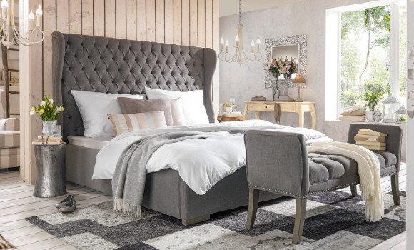 schlafzimmer bett grau bettwäsche