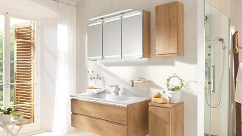 Badezimmerspiegel mit integrierter Beleuchtung