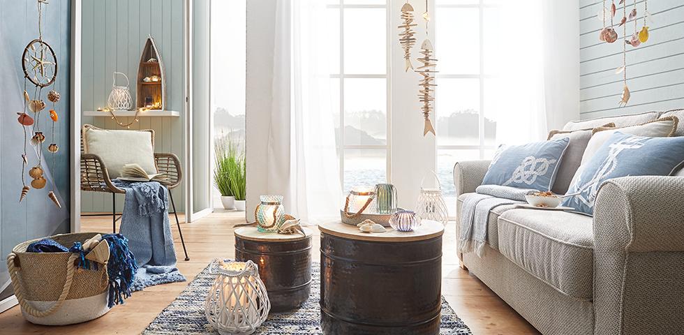 Wohnzimmer im Strandhauslook einrichten