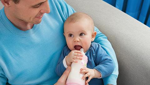 Babyflasche der Marke MAM