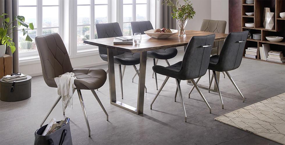Drveno metalni blagovaonski stol sa sivim i bež stolicama