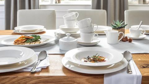 Klasické nádobí k dostání i jako sada.