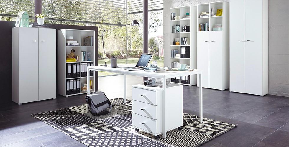 Stylové psací stoly v bílé barvě z kovu najdete v XXXLutz.
