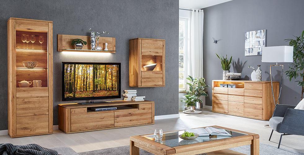 obývací stěna s osvětlením