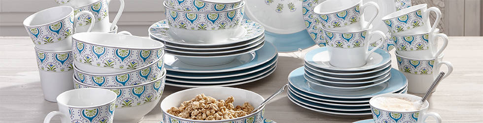 Servis za jelo i kavu za 6 osoba u bijelo plavoj boji