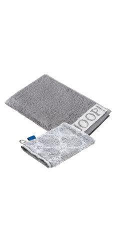 graues Handtuch und Waschlappen